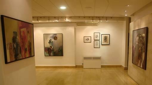 افتتح المعرض الشخصي ( الصمت الاحمر) للفنان التشكيلي د. بلاسم محمد