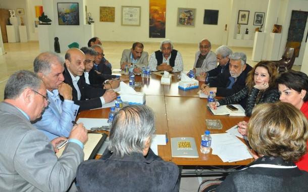 عقدت جمعية الفنانين التشكيليين العراقيين اجتماعاً موسعاً للجنة الثقافية والفنية بحضور رئيسة لجنة الثقافة والإعلام النيابية ميسون الدملوجي, وشخصيات أكاديمية وفنية