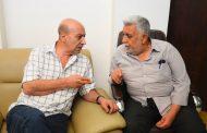 د. بلاسم محمد يهنىء رئيس التحرير الاستاذ مؤيد البصام على استمرار الانجاز في تطوير المجلة