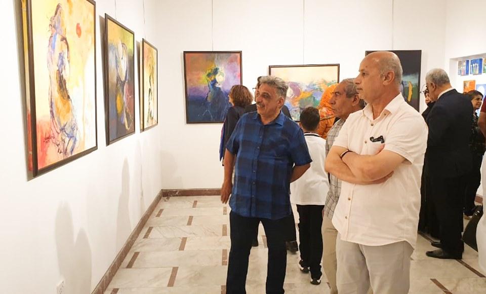 افتتاح المعرض التشكيلي المشترك تحت عنوان ( الحريات ) لثلاثة فنانات تشكيليات