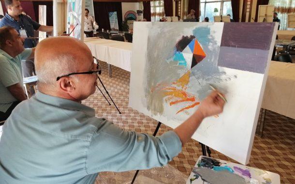 تحت شعار نصنع السلام بابداع فرشاتنا اقيم في مدينة السليمانية ملتقى ( سمبوزيوم سركلو ) للرسم الحر، بمشاركة عدد من الفنانين التشكيليين من محافظات العراق كافة.