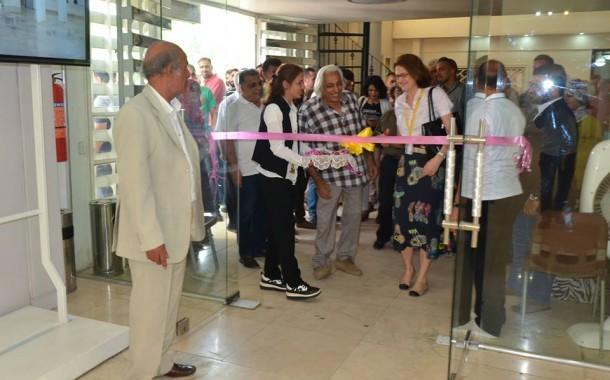 افتتحت السفيرة السويدية في العراق انيكا مولين هليغرين ورئيس جمعية الفنانين التشكيليين العراقيين المعرض المشترك بعنوان ( خزافون عراقيون )