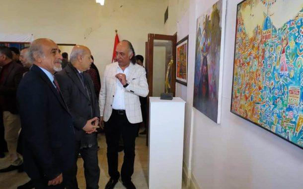 افتتاح المعرض التشكيلي السنوي لفرع جمعية الفنانين التشكيليين العراقين في محافظة ذيقار